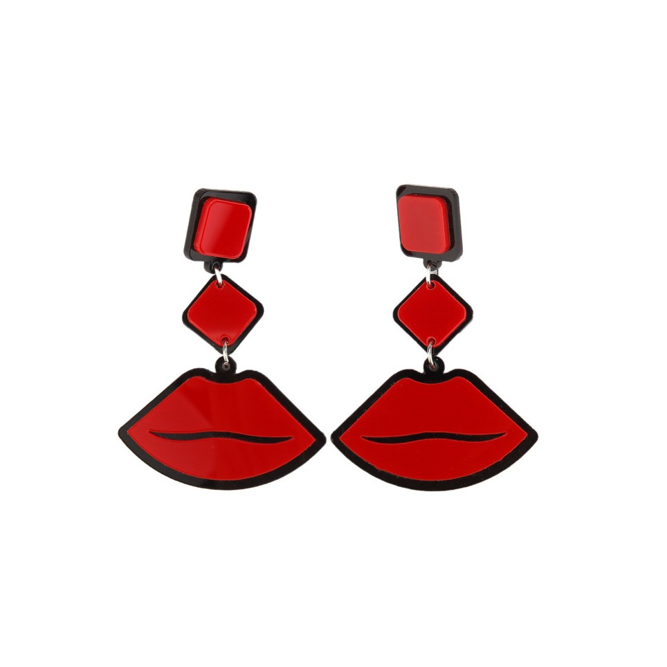 Boucle-Zoe-Red-lips