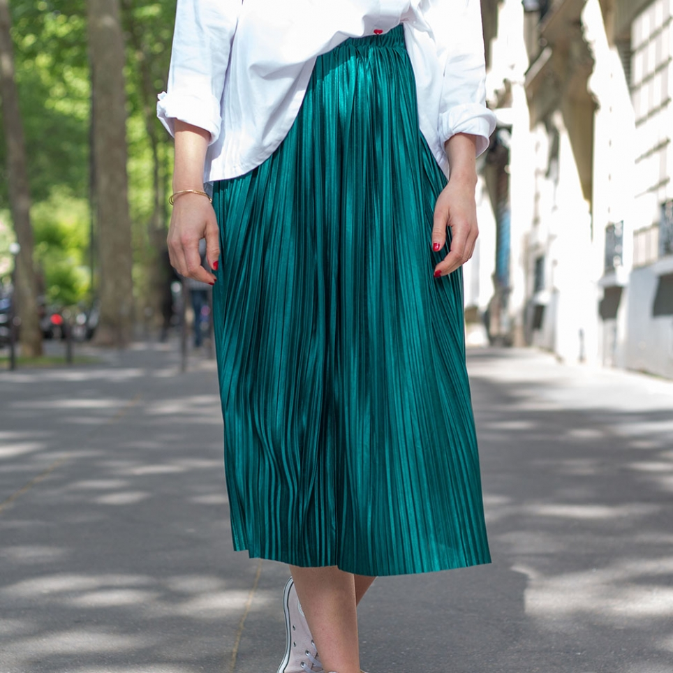 Emerald-Green pleated skirt
