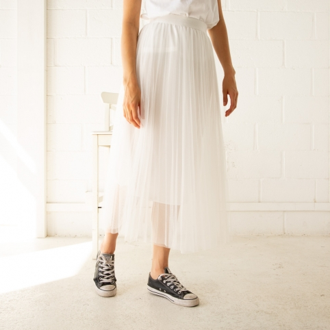 White tull skirt